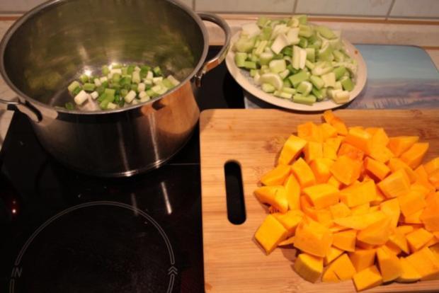 Suppe: Kürbis-Sellerie-Cremesuppe - Rezept - Bild Nr. 3