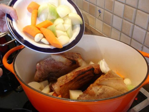 Schäufele mit Sauerkraut und Knödel - Rezept - Bild Nr. 8