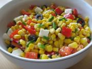 Mais-Paprika-Salat mit Schafskäse und Oliven - Rezept