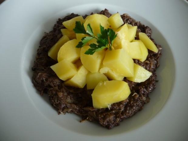 Resteverwertung : Sauerkraut - Blutwurst mit Salzkartoffeln - Rezept