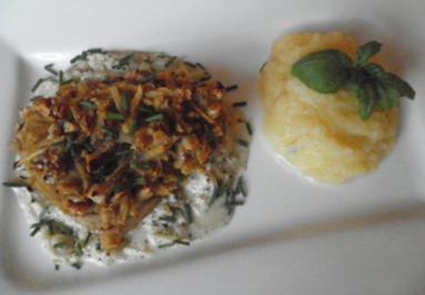 Kürbis - Püree und Kabeljau mit Kürbis- Nusskruste auf Apfelsoße - Rezept