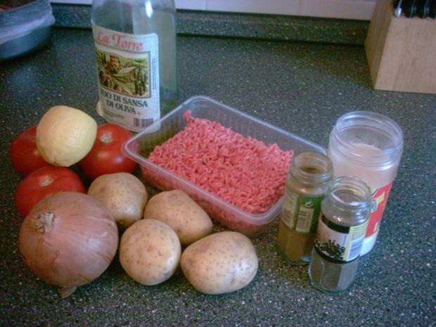 Hackbällchen mit Kartoffeln in Soße - Rezept - Bild Nr. 2