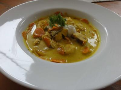 Cremige Currysuppe vom Hecht - Rezept