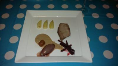 Rinderschulter | Umeboshi-Schalotten-Kompott | Rote Bete | schwarzer Knoblauch | Bratapfel - Rezept