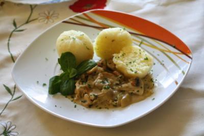 Putengeschnetzeltes in Weißwein-Pilzsauce - Rezept