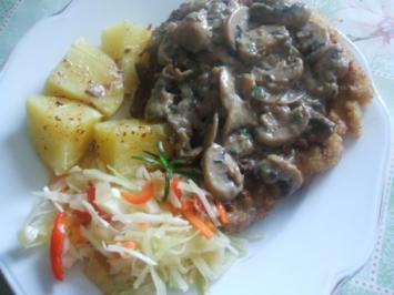 Kotlett  mit einer Pilzhaube Salzkartoffeln und - Rezept