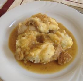 Auflauf von Bratwurst,Kartoffeln und Zwiebeln - Rezept
