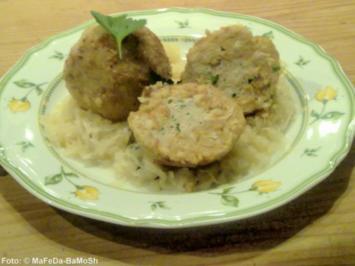 Wurstknödel auf Sauerkraut - Rezept