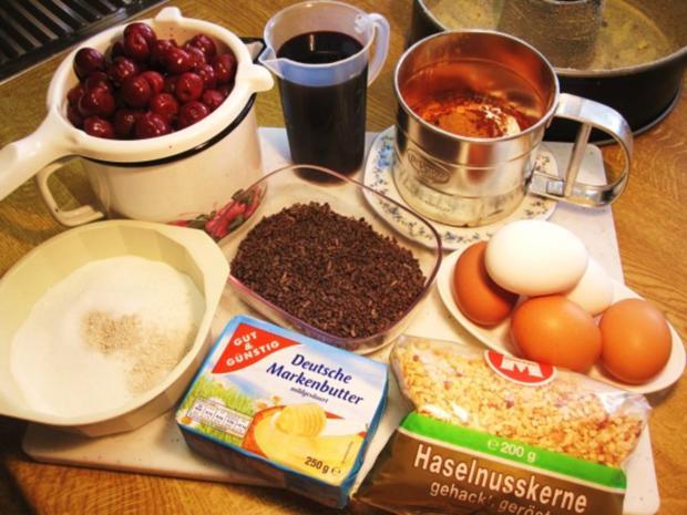 Rotweinkuchen mit Kirschen - Rezept - Bild Nr. 2