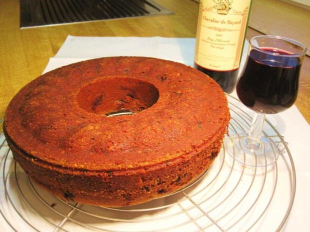 Rotweinkuchen mit Kirschen - Rezept