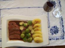 Entenbrust - nach Rat von Fernsehkoch Vincent Klink gebraten, Speckrosenkohl, Kloßscheiben - Rezept