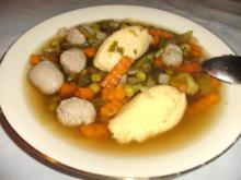 Gemüse - Eintopf mit Nockerln und Klößchen - Rezept