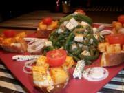 Bohnensalat mit Fetakäse dazu Baguettes mit lecker gewürzten Gouda Würfeln..... - Rezept