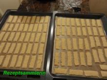 Kekse:   SPRITZGEBÄCK mit Nussgeschmack - Rezept