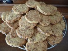 Plätzchen : Sandplätzchen mit Schokoraspeln - Rezept