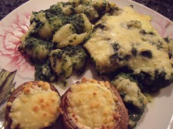 Gnocchi-Spinat-Auflauf mit gefüllten Pilzen - Rezept