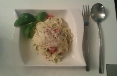 Pasta mit Schmand/ Kräutern - Rezept