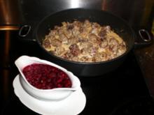 Köttbullar mit Johannisbeersößchen - Rezept
