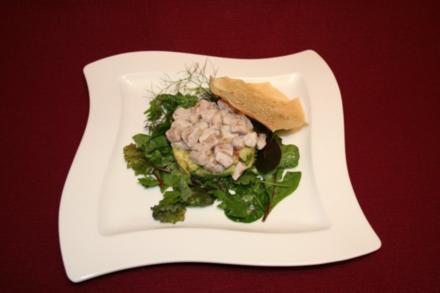 Thunfisch-Burger auf Wildkräutersalat - Rezept