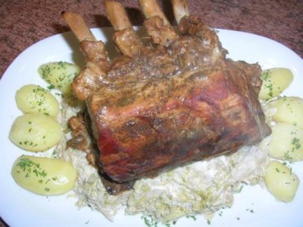 Kotelettbraten am Stück, mit Spitzkohl und Kartöffelchen (leckere Hausmannskost) - Rezept
