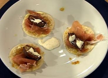 Flammkuchenchips mit Parmaschinken und gefüllten Datteln (Männer) - Rezept