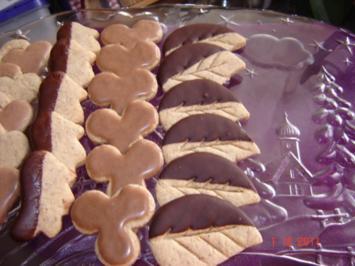 Weihnachtsplätzchen : Haselnuss-Zimtknusperle - Rezept