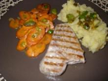 Thunfisch-Steaks mit Kartoffelpü und Karotten-Gemüse - Rezept