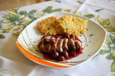 Entenbrust mit Kirschsoße und Kartoffelplätzchen - Rezept