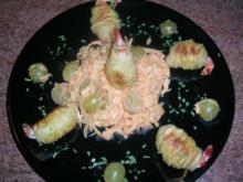 Garnelen im Kartoffelmantel auf Cocktailsaucen-Salat (kleines Entrée) - Rezept