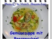 Gemüsesuppe mit Brezen-Nocken - Rezept