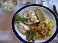 Bratkartoffeln mit Sülze und Chinakohlsalat - Rezept