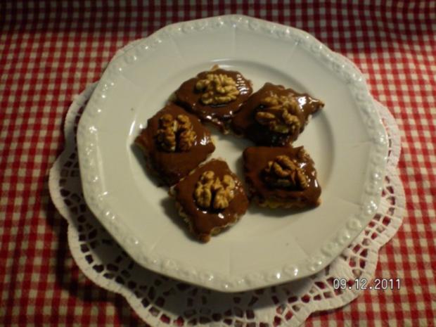 Marzipan- Walnussplätzchen - Rezept
