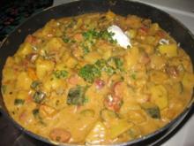★ Kartoffel - Zucchini - Gulasch mit Mettwürstchen ★ - Rezept