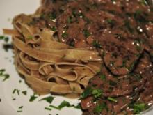 Adventskalender 11. Tag: Rinderhuftstreifen mit Steinpilznudeln und feinem Sößle - Rezept