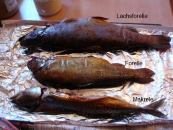 Räucherfisch mit Schwarzbrot - Rezept