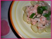Gnocchi con salmone e panna; affilato - Rezept
