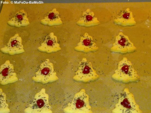 Weihnachten: Mohn-Glöckchen mit Kirschen - Rezept - Bild Nr. 2