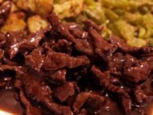 Geschnetzeltes vom Rind in Rotwein-Cassis-Sauce - Rezept
