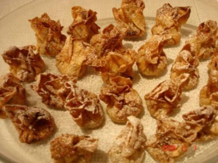 Süße Wan-Tans mit Datteln - Rezept