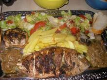 Firree ( gegrillter Fisch mit Pommes,scharfen Zwiebeln und Salat) - Rezept