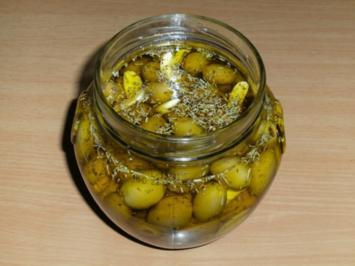 Rezept: Einlegen: Oliven, grün, pikant eingelegt