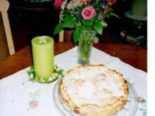 Gedeckter Apfelkuchen mit Rosinen - Rezept