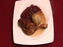 Entenkeulen mit Blaukraut und Semmelknödeln (Michael Holm) - Rezept
