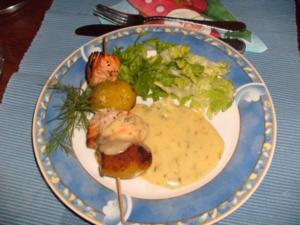 Kartoffel-Lachs-Spiesschen mit Dillsoße - Rezept