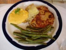 Gebackener Leberkäse mit grünen Bohnen und Möhren-Kartoffelpüree - Rezept