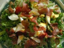 Friséesalat mit Schinkenchips - Rezept