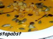Kürbiscreme Suppe mit Kartoffelcroutons - Rezept