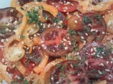 Tomaten-Paprika-Salat mit Zitronen-Vanille-Dressing - Rezept