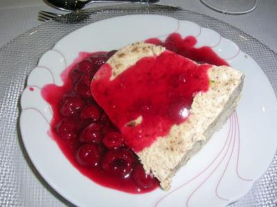 Lebkuchen-Parfait   mit Himbeersauce - Rezept