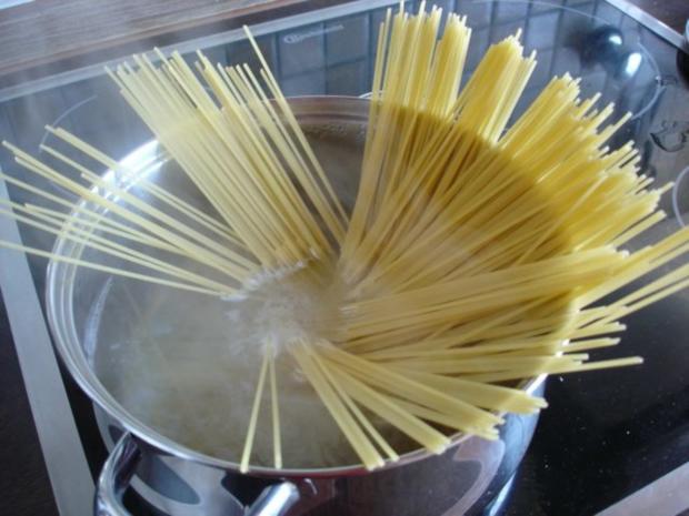 Spaghetti mit Pesto - Rezept - Bild Nr. 3